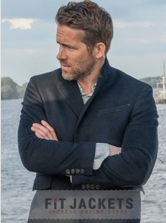 Ryan Reynolds Black Coat Hitmans Bodyguard